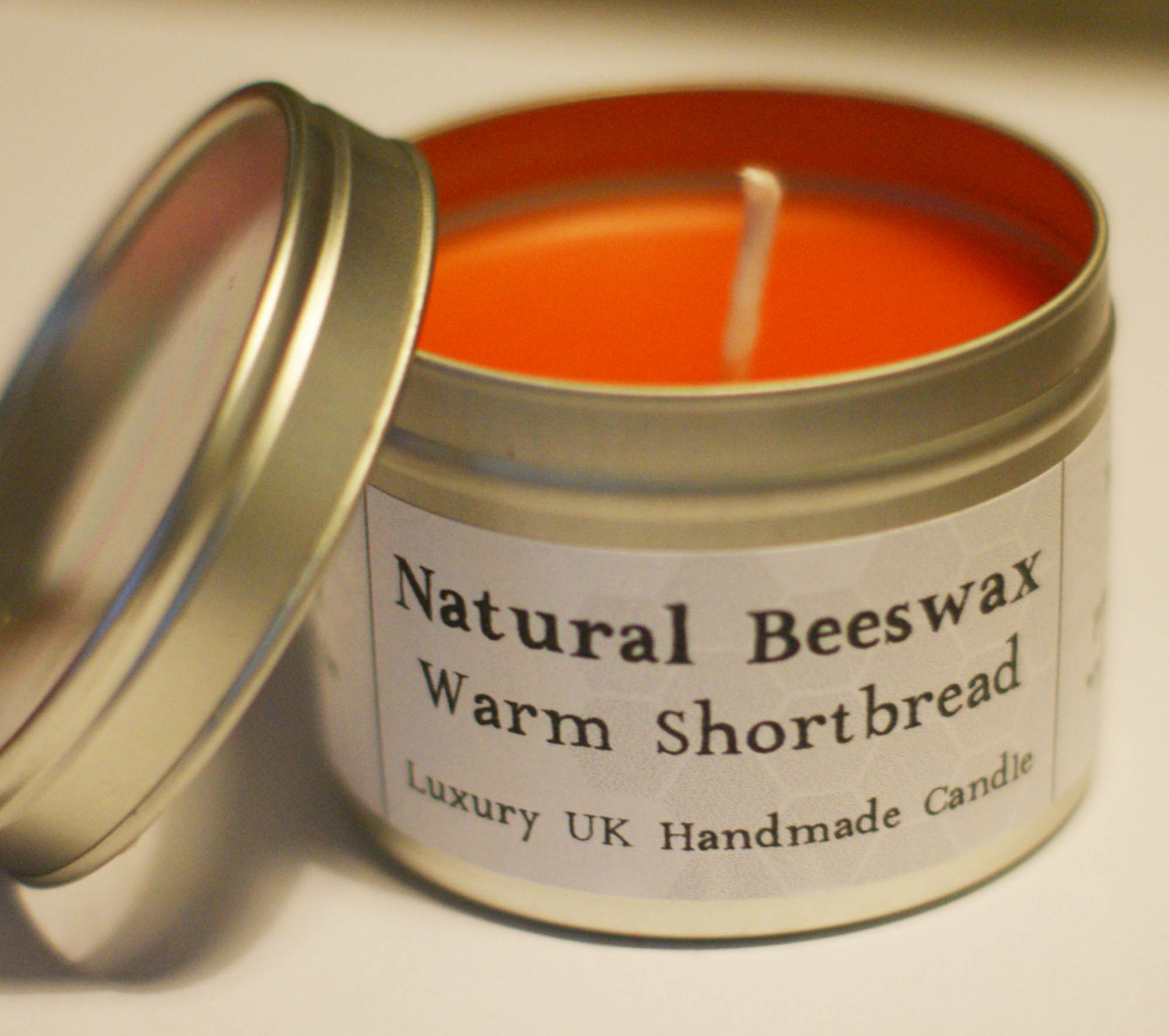 Natural Beeswax Candle - Warm Shortbread Scent on Luulla